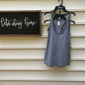 Set of two different color grey tanks
